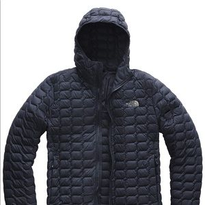 The North Face Men's thermoball coat